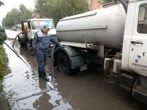 Более 2000 кубометров воды откачали с улиц Сормовского района за выходные
